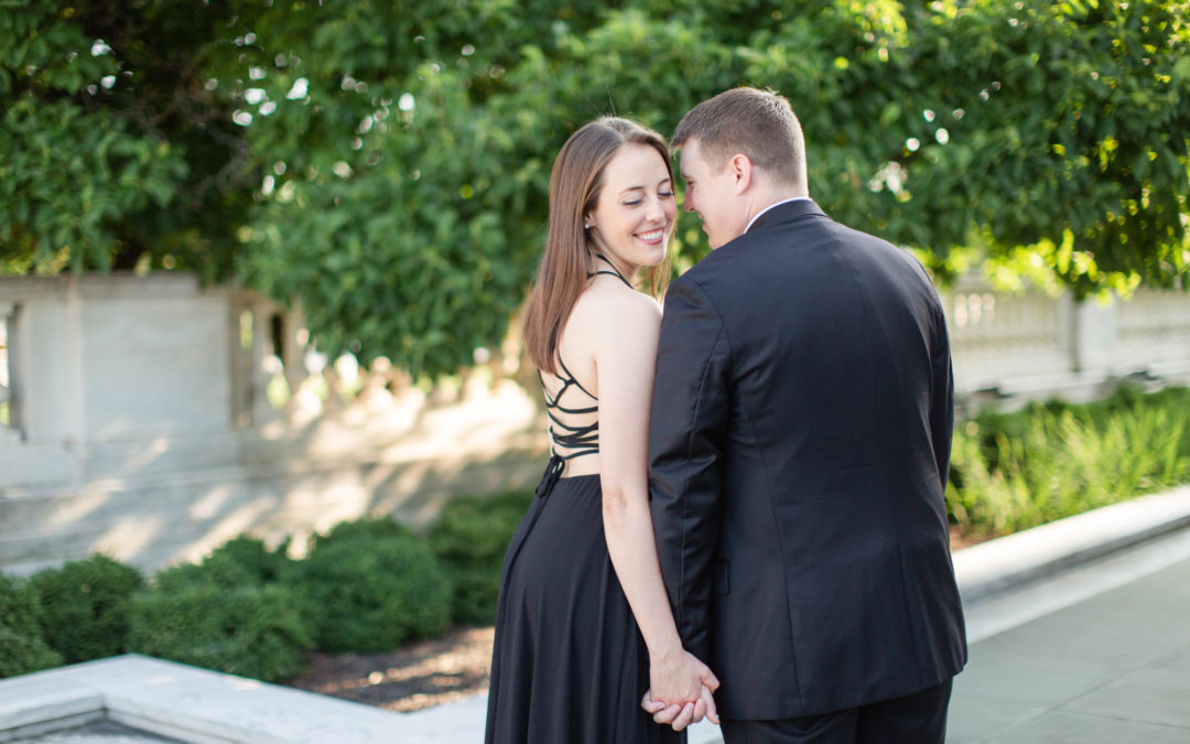 Kaitlyn & Paul – Cleveland Museum of Art Engagement Session