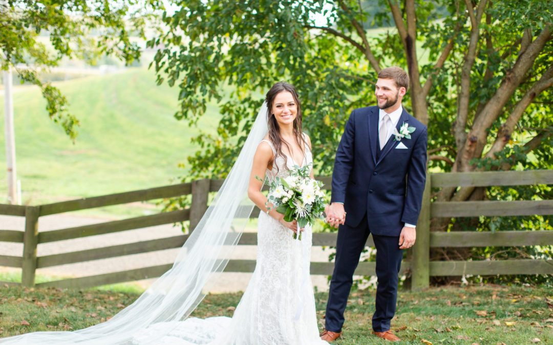 Emily & Denver – The Barn at Sugarcreek Wedding